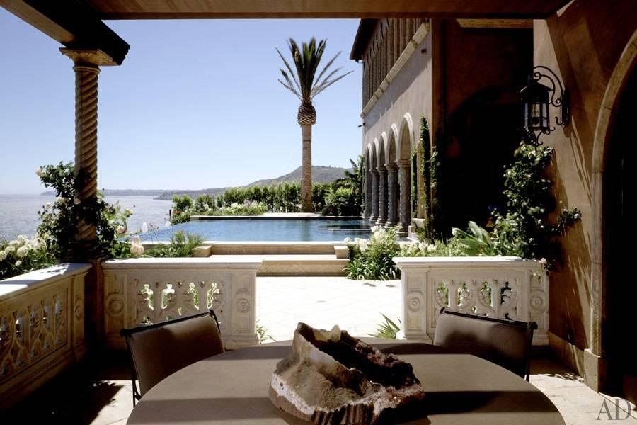 item6.size.0.0.cher-malibu-09-pool-terrace
