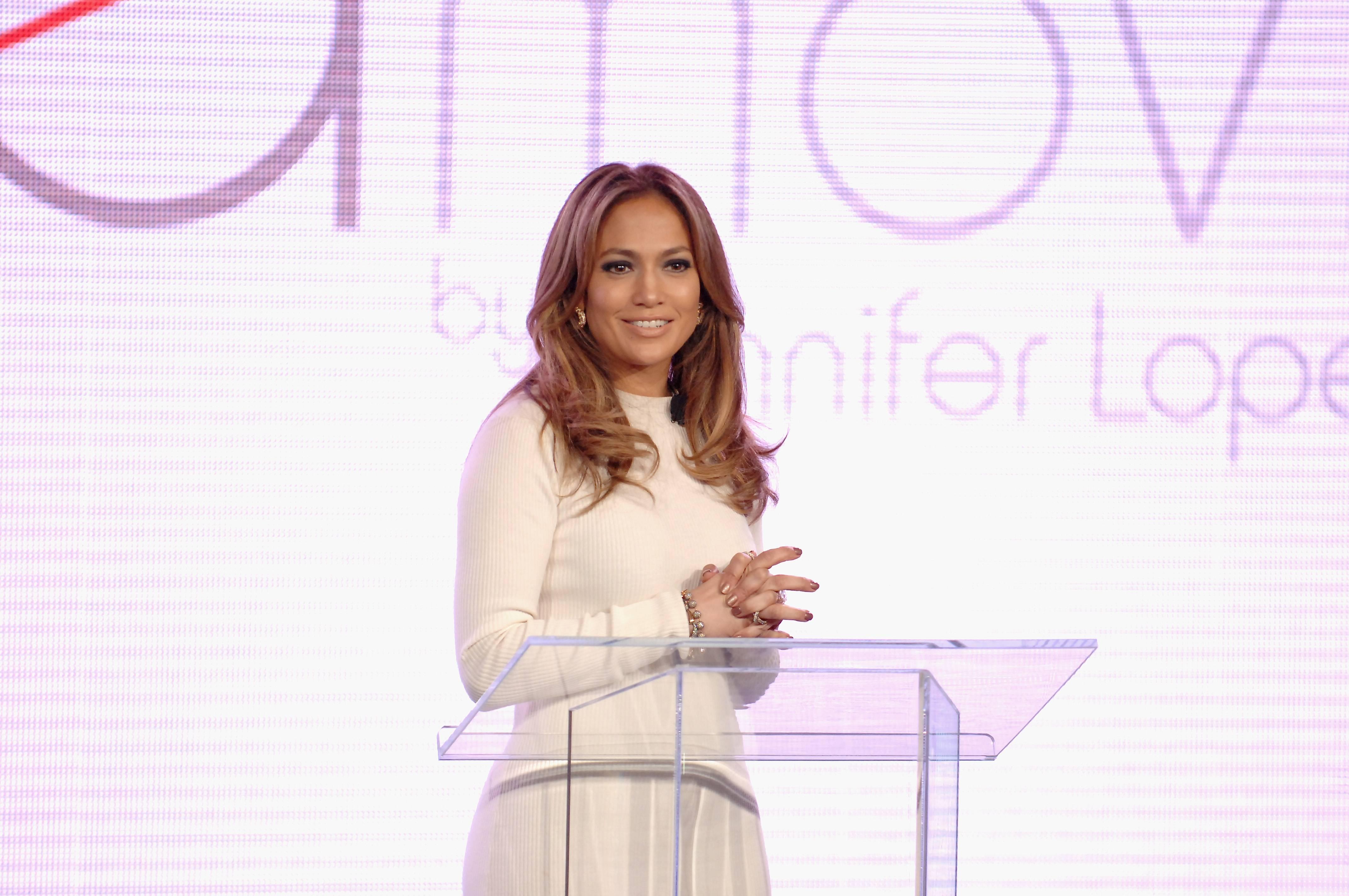 Jennifer Lopez And Marni Walden, Verizon Wireless Executive Vice President & COO announce Viva Movil By Jennifer Lopez