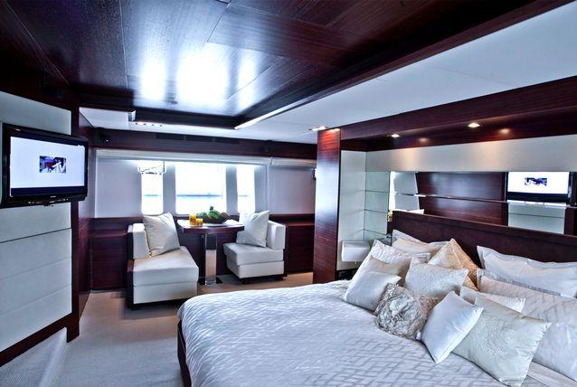 inside-abu-dhabi-royal-s-super-yacht-505291-10