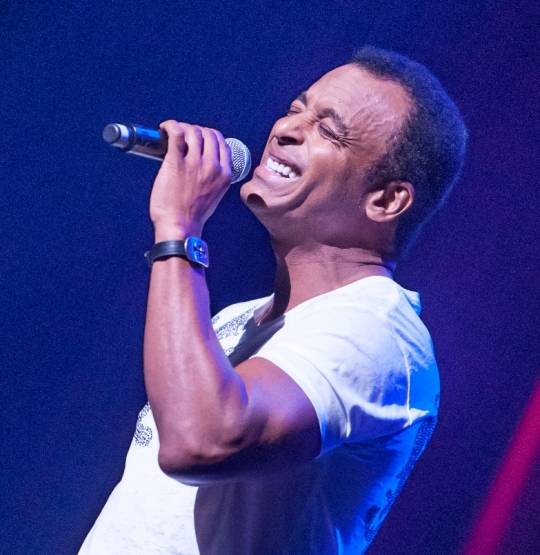 6.30.13 Jon Secada Performs at Golden Rainbow's 'Ribbon of Life' at The Smith Center for the Performing Arts, Photo Credit Tom Donoghue