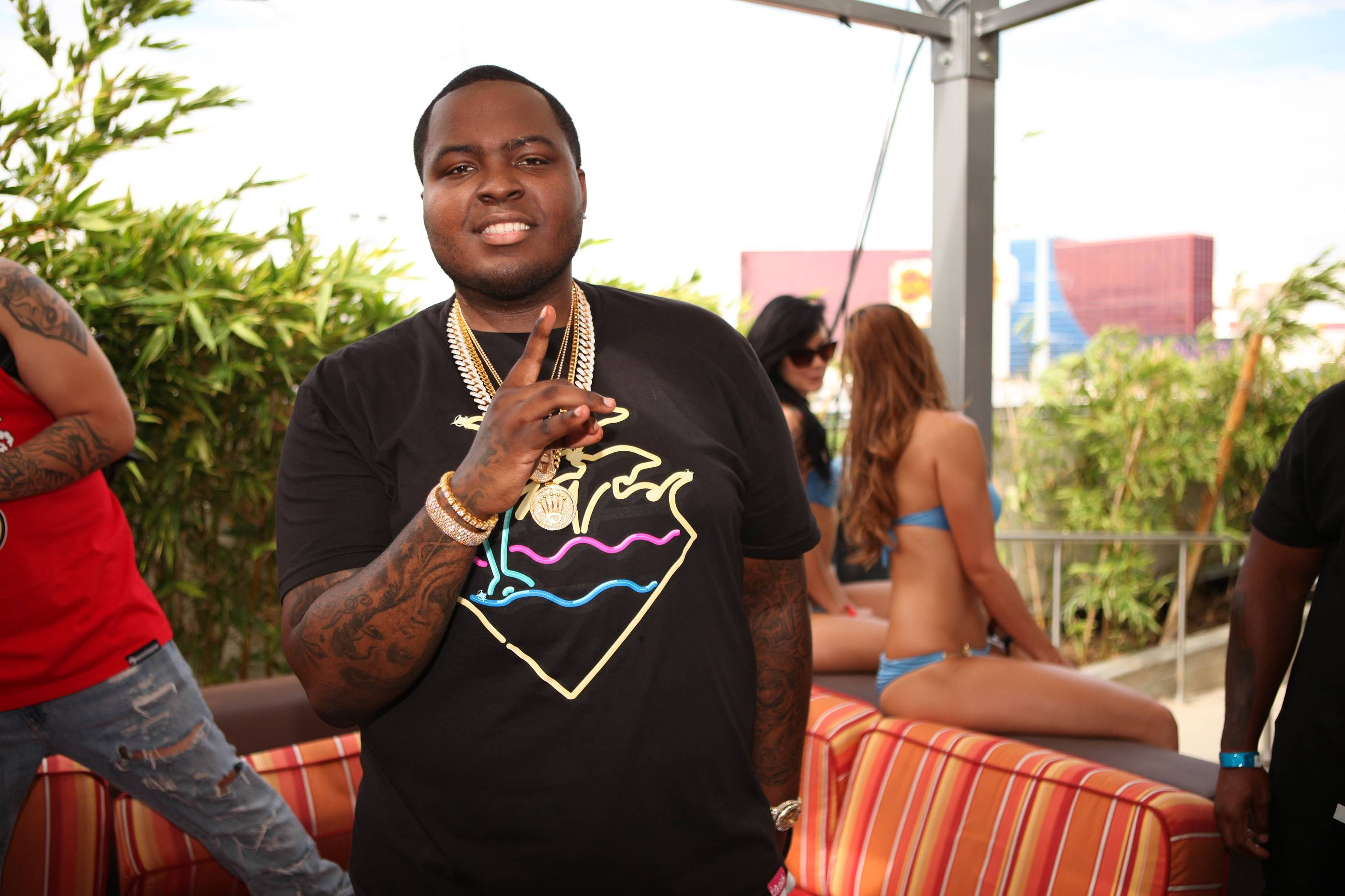Sean Kingston at VIP table