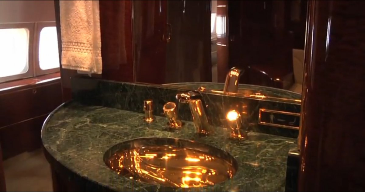 even-the-faucets-are-gold-plated