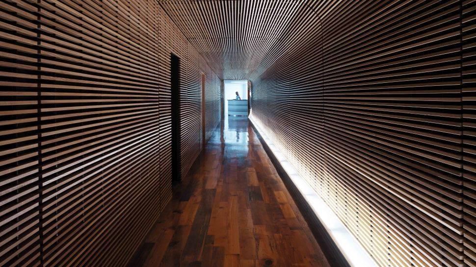 002521-01-hallway