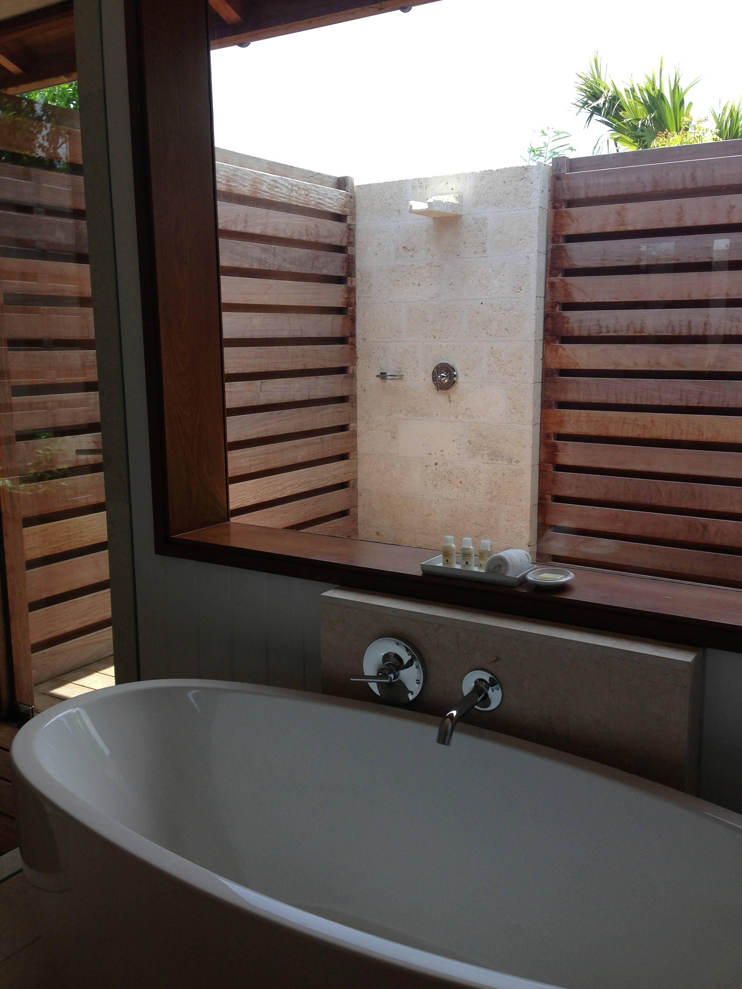 3 bedroom beach villa bathroom