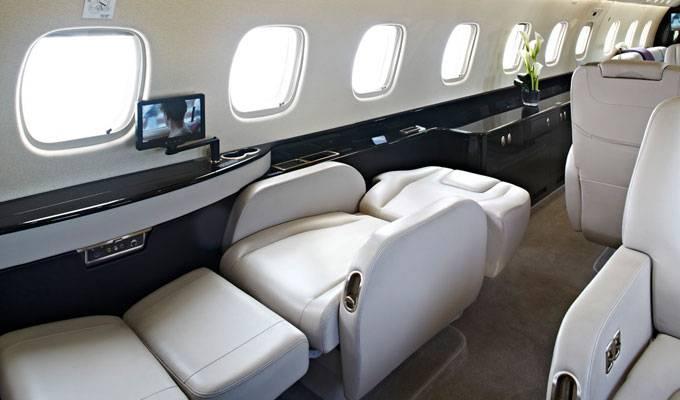 Legacy_650_Large_Business_Jet_Berthing_Seat