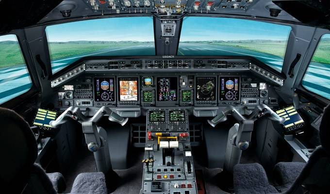 Legacy_650_Large_Executive_Jet_Cockpit