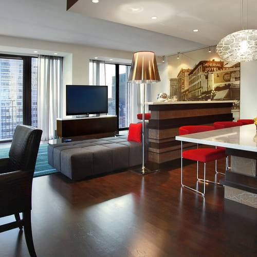Radisson-Blu-Aqua-Hotel-Chicago-Aqua-Suite-Living-Room