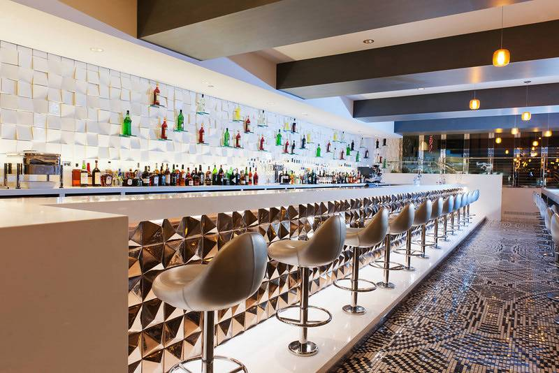 Radisson-Blu-Aqua-Hotel-Chicago-Filini-Lounge