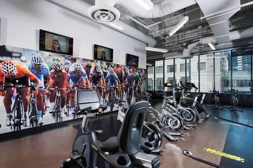 Radisson-Blu-Aqua-Hotel-Chicago-Fitness-Room