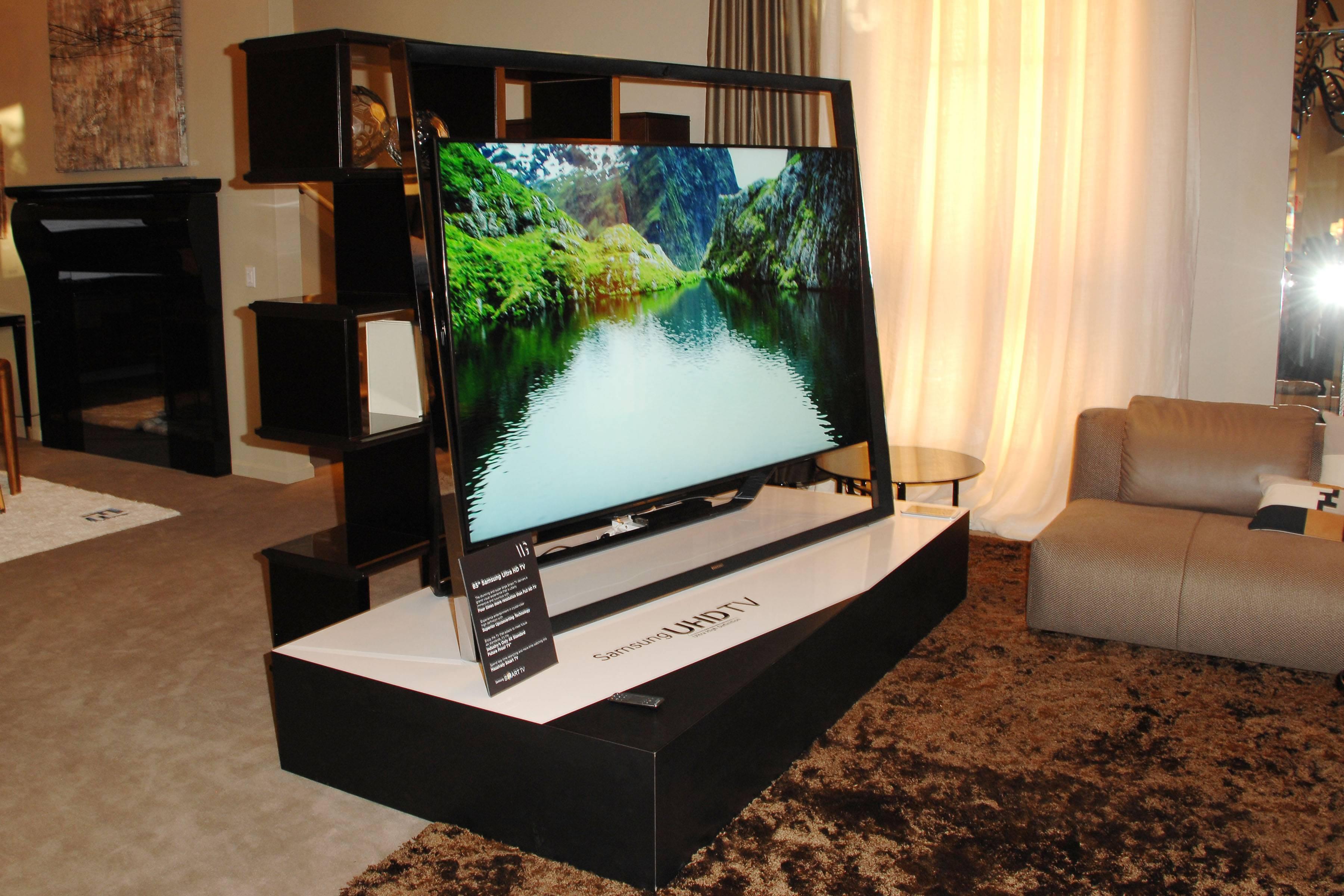 Samsung Ultra HD Art Tour: Fendi Casa hosts cocktail event featuring Samsung's S9 UHD TV – WEST HOLLYWOOD