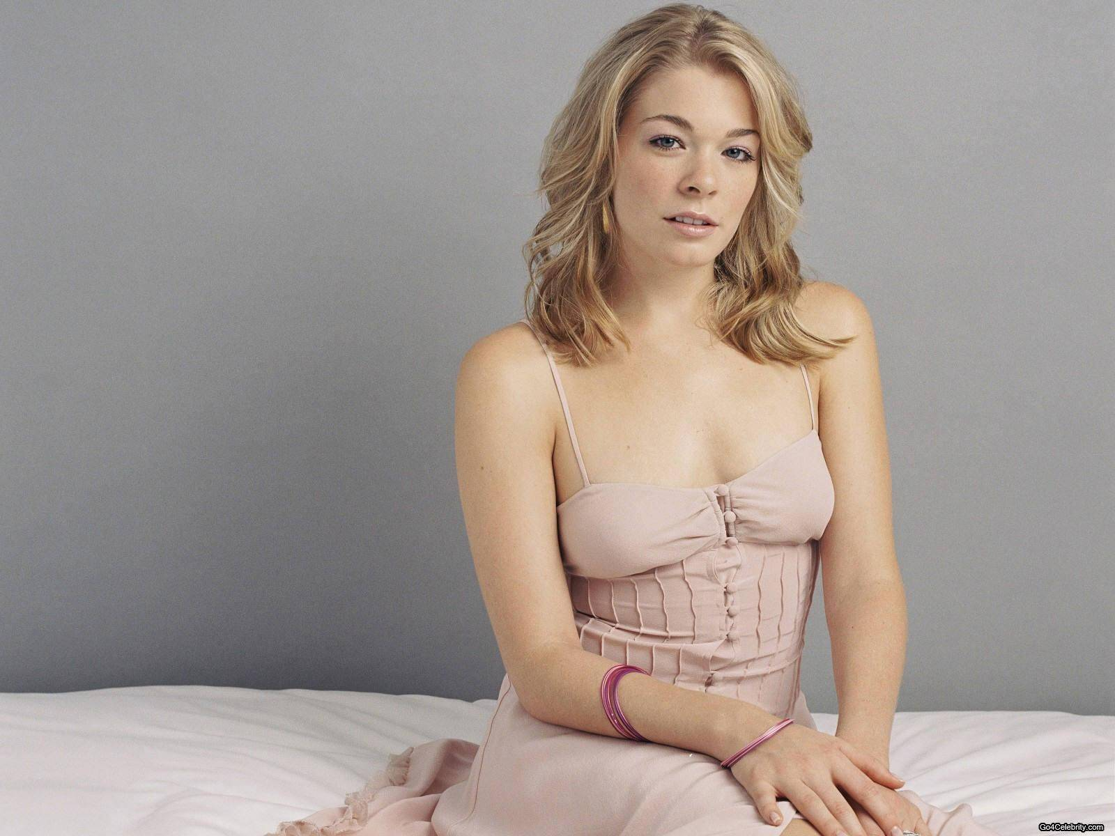 leann_rimes_hd_wallpaper-1600×1200