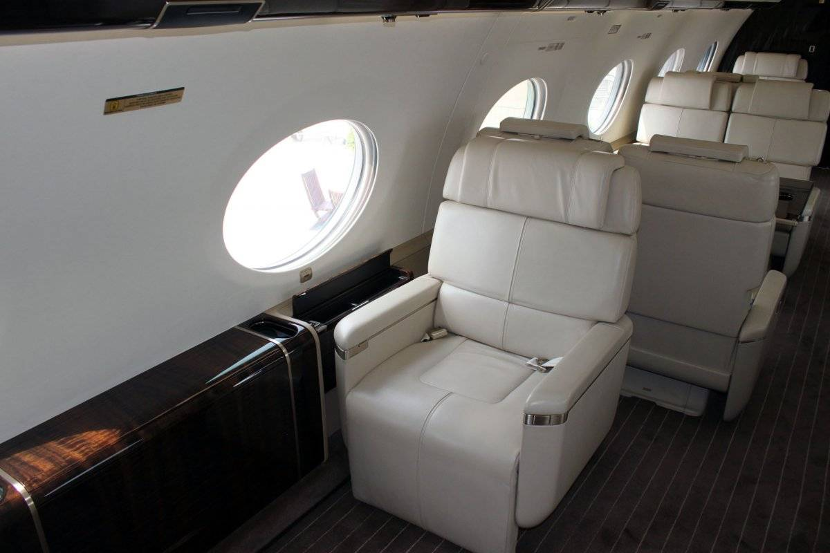 the-seats-are-a-lot-bigger-than-the-ones-travelers-get-to-enjoy-in-economy-class