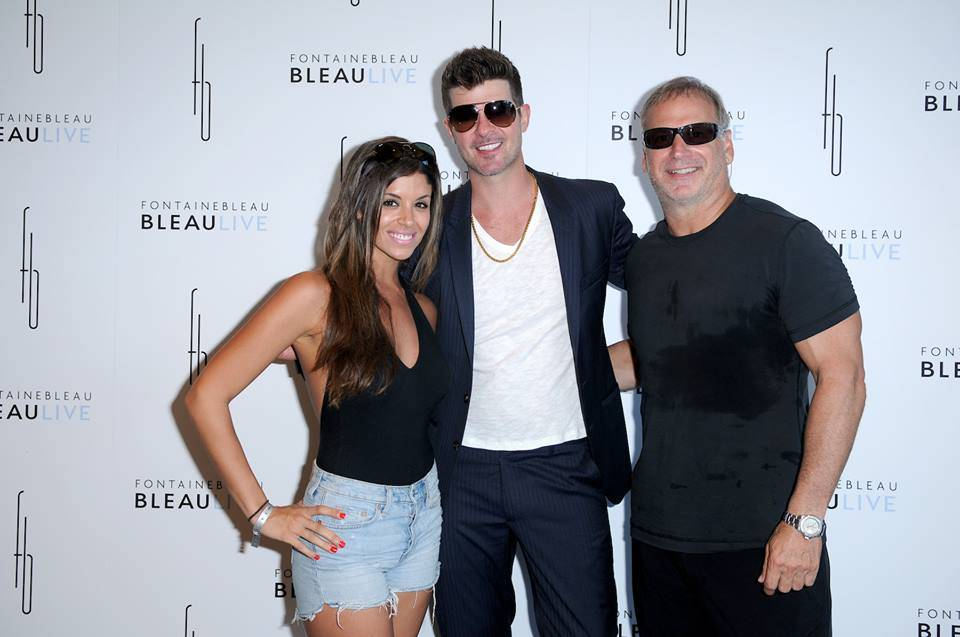 Robin Thicke & Pharrell Perform At Bleaulive