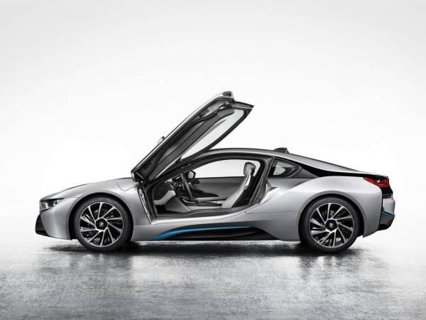 2014-BMW-i8-600×450