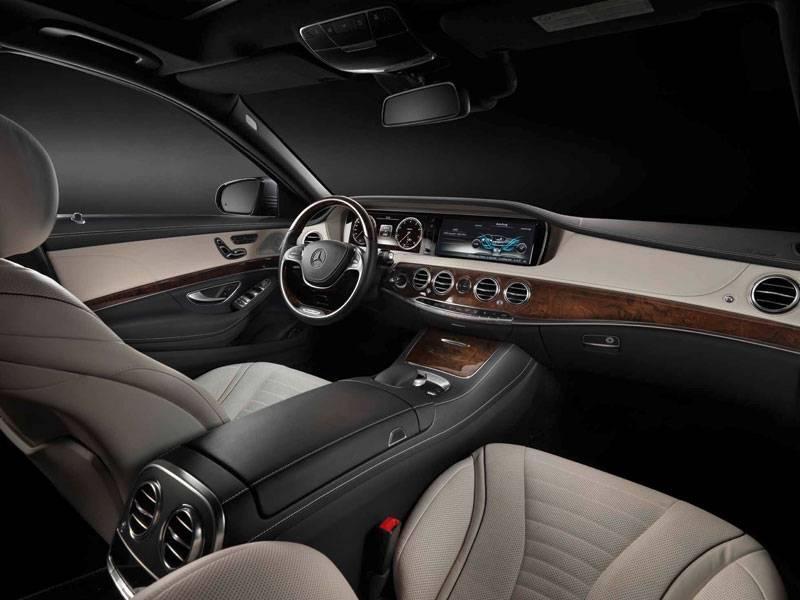 2014_Mercedes-Benz_2S-Class