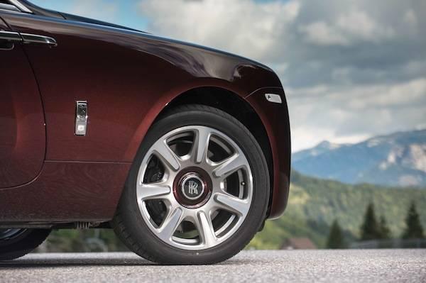 2014_Rolls-Royce_Wraith......26
