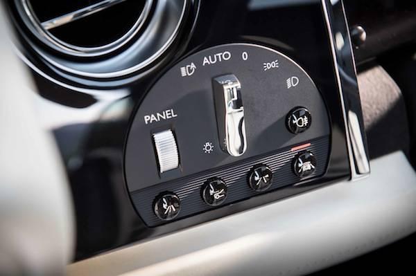 2014_Rolls-Royce_Wraith......51