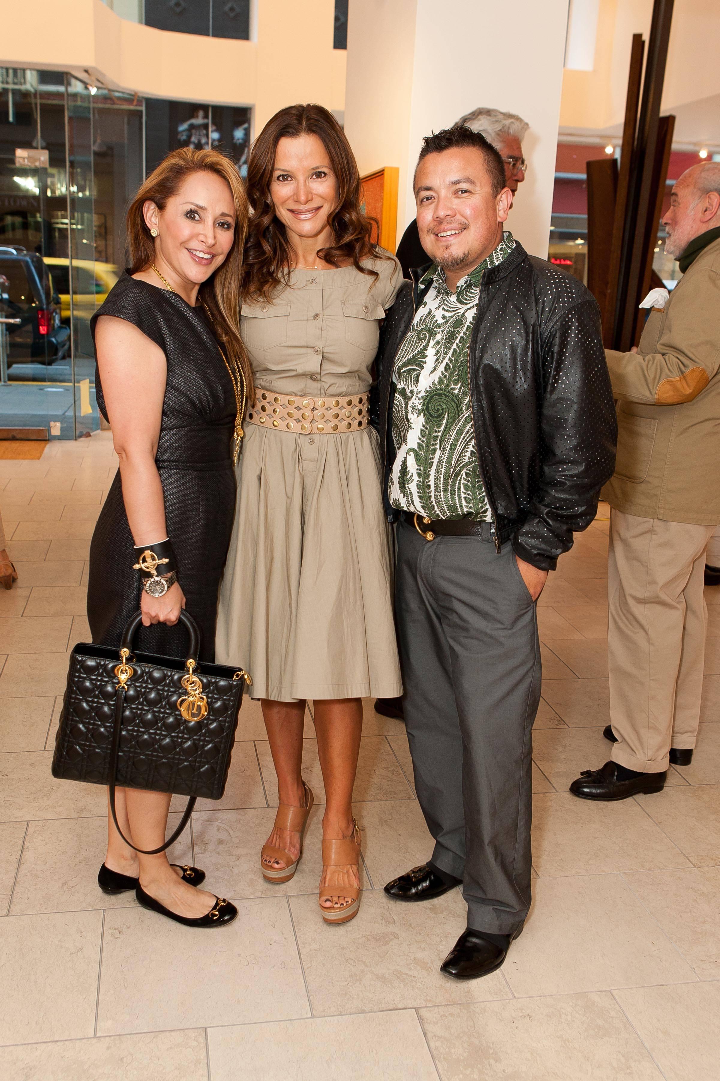 Brenda Zarate, Claudia Ross, Victor Vargas