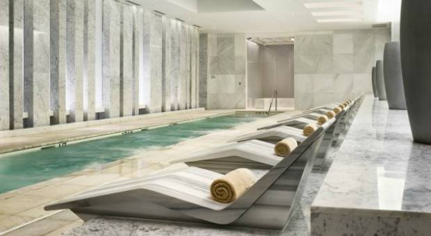 Fontainebleau's Lapis spa kicks off National Yoga Month