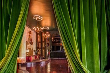 Lions Nightclub