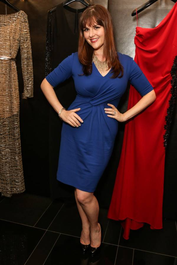 Sara-Rue-in-ESCADA-and-W-Magazines-celebration-of-Cool-Earth-600x899