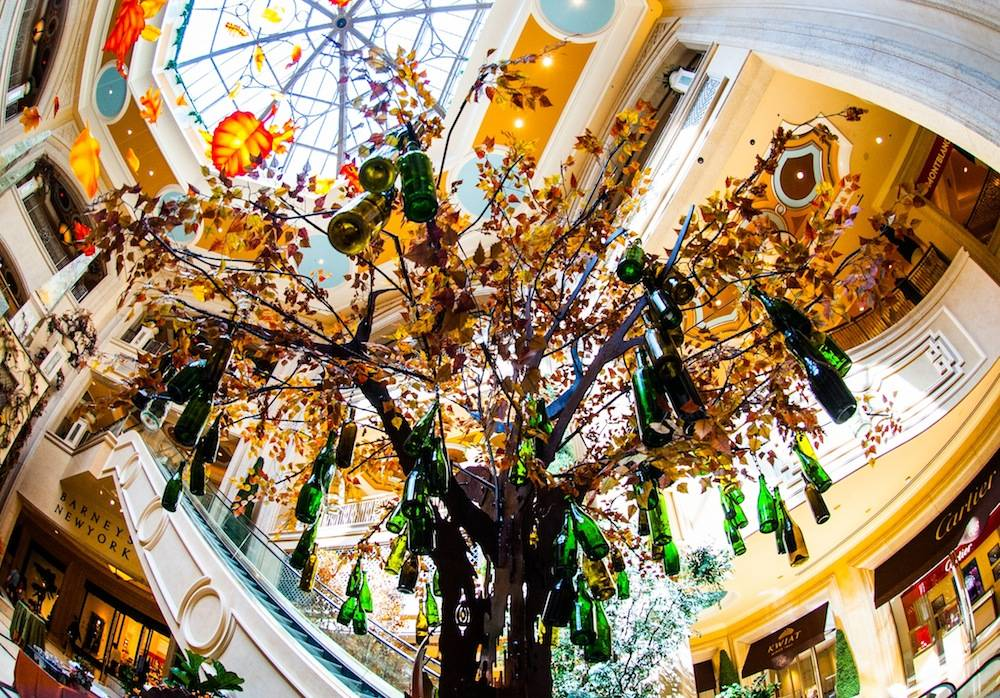 The Palazzo Waterfall Atrium Fall Display 4