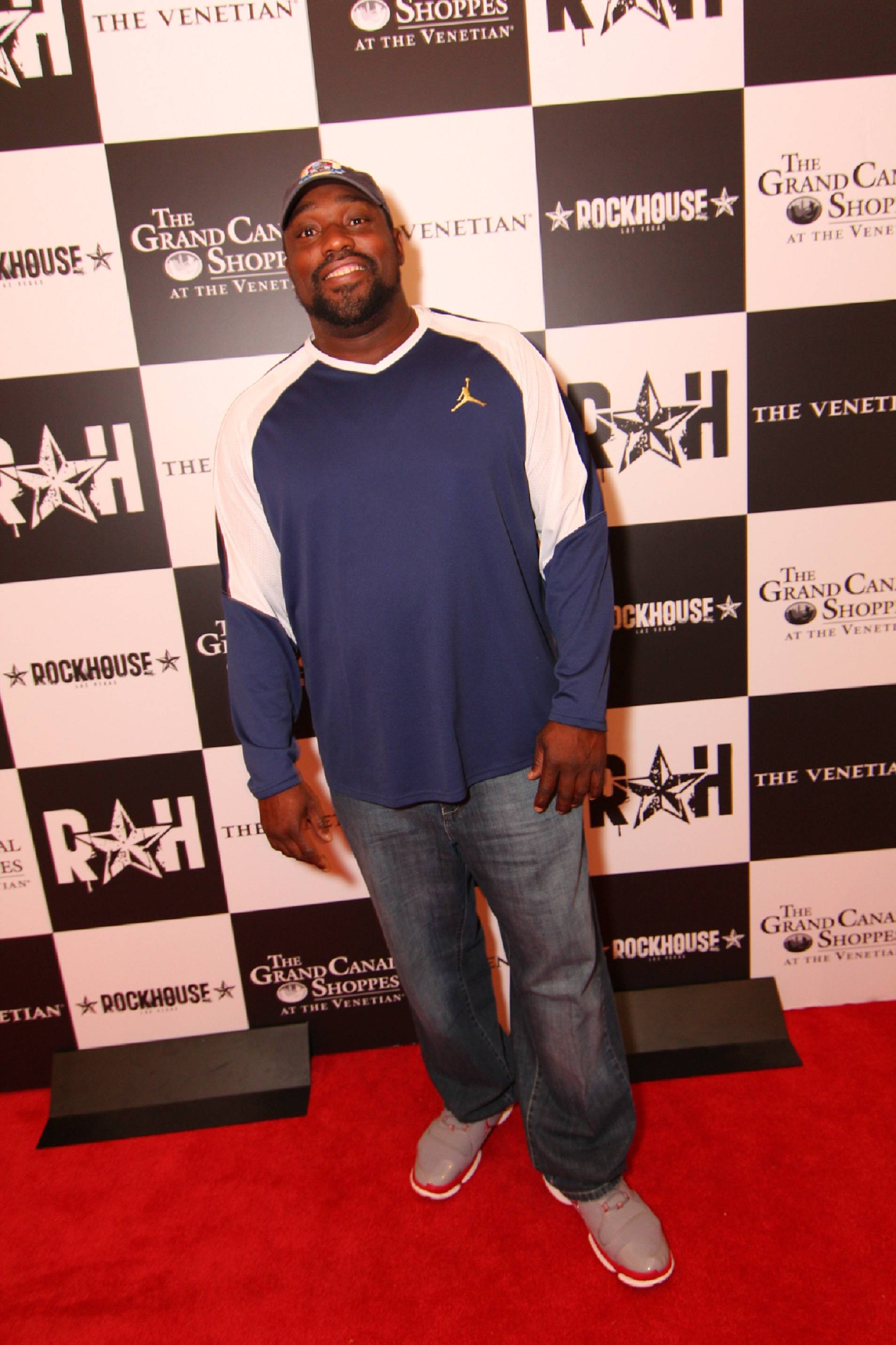 Warren Sapp Poses at Rockhouse