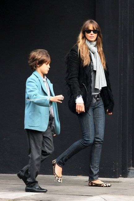 elle-macpherson-and-pretty-ballerinas-pleated-ballet-flats-gallery