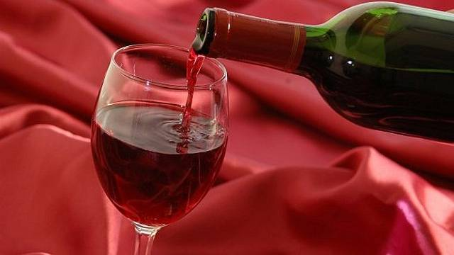 032813-Generic-Wine