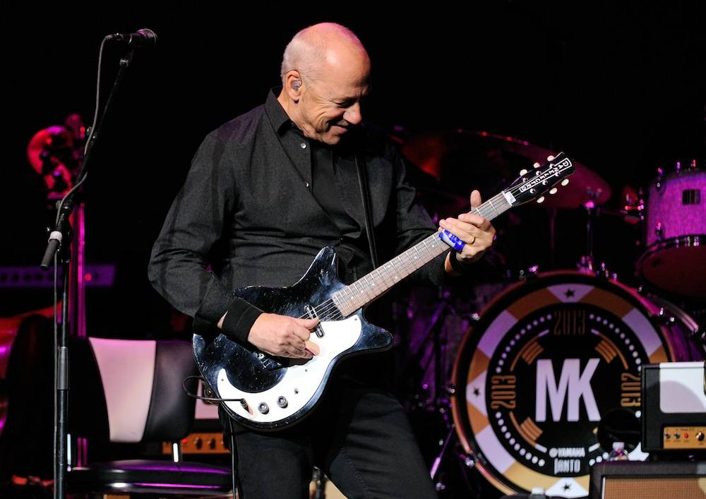 Mark Knopfler performs at the Pearl at the Palms. Photos: David Becker