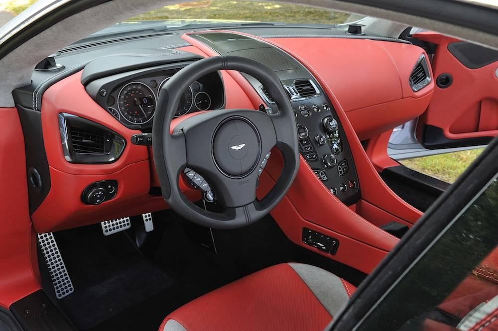 2014-Aston-Martin-Vanquish...067
