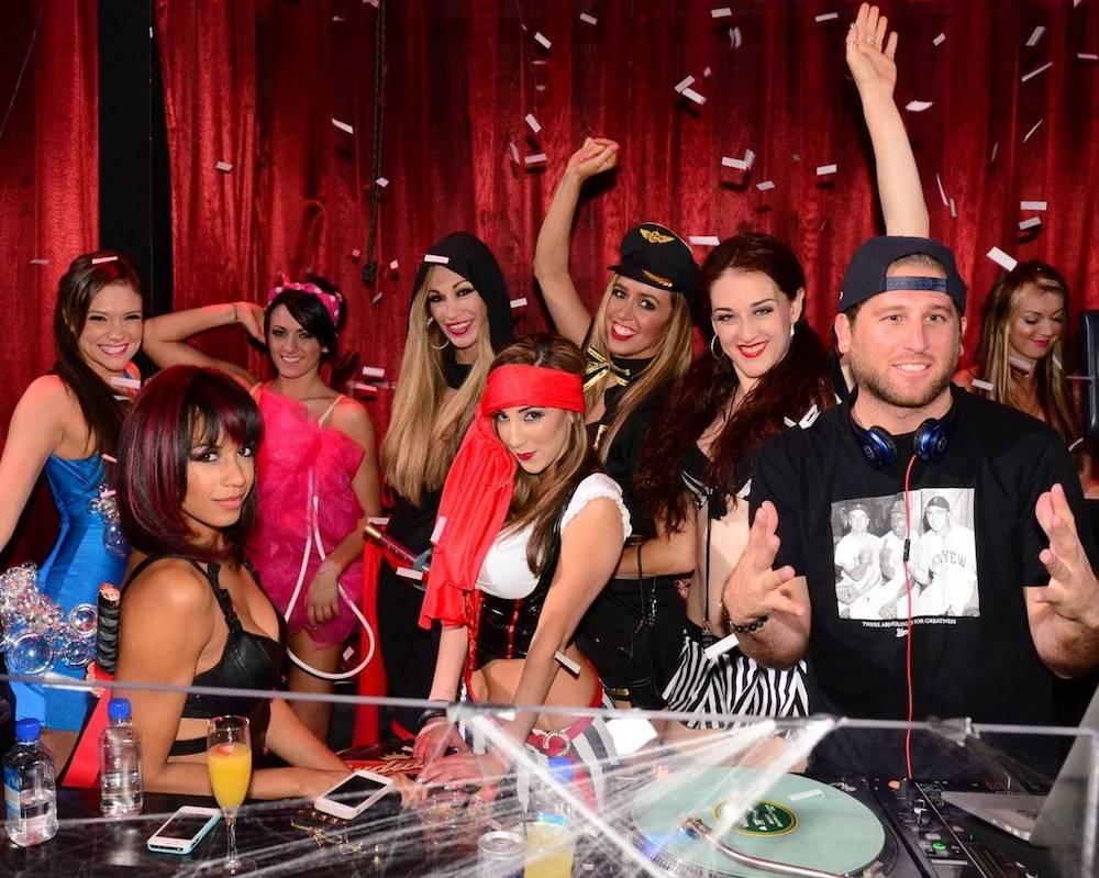 DJ Booth_FANTASY cast_(R - DJ Wellman)_LAX Nightclub