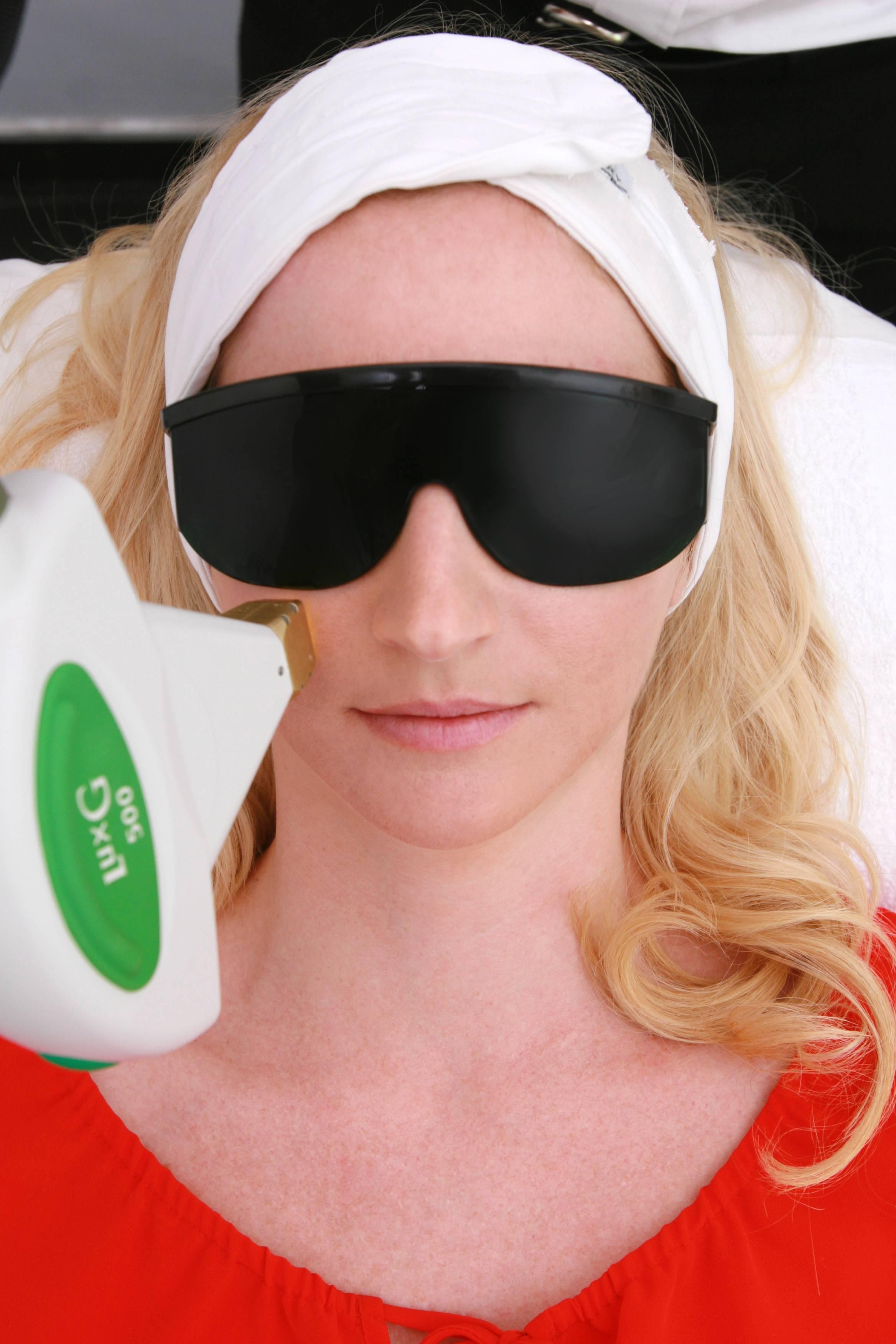 Melissa laser closeup