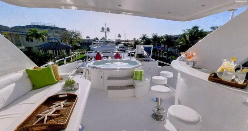 Portico_Yacht_Flybridge_2