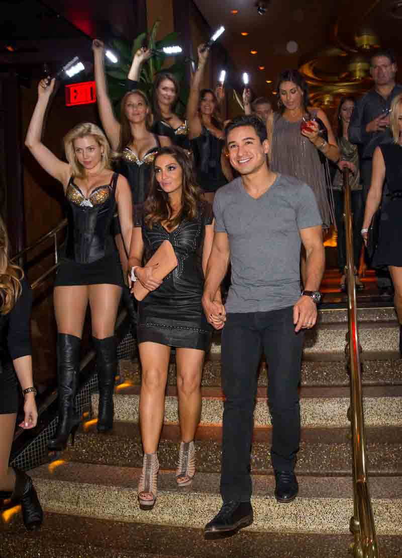 Haute Event Mario Lopez Helps His Wife Courtney Celebrate Her Birthday At Botero Xs Nightclub