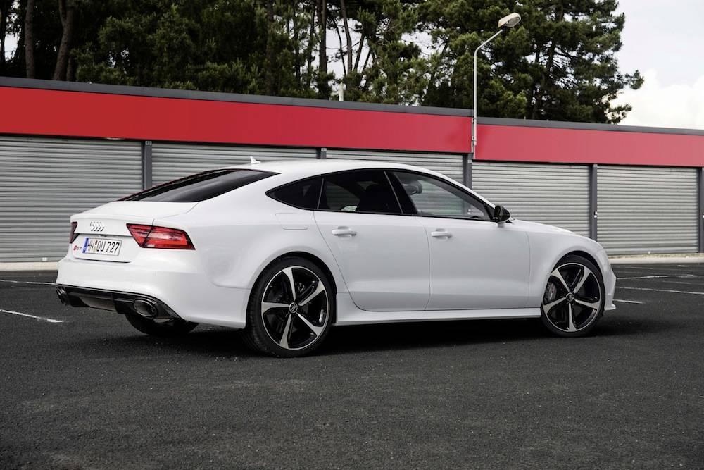 2014_Audi_RS_7....32