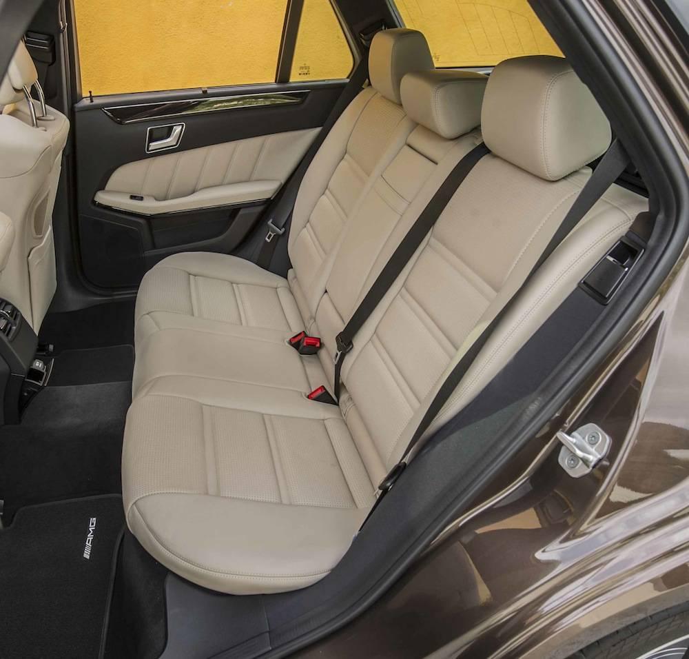 2014_Mercedes_Benz_E63_AMG_S-Model_4MATIC_Wagon...09