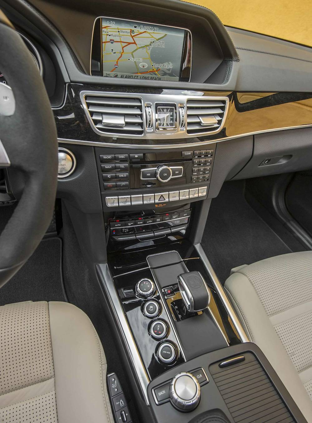 2014_Mercedes_Benz_E63_AMG_S-Model_4MATIC_Wagon...10