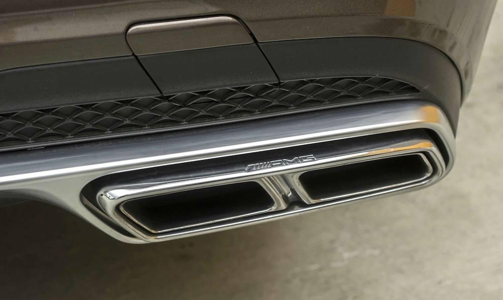 2014_Mercedes_Benz_E63_AMG_S-Model_4MATIC_Wagon...13