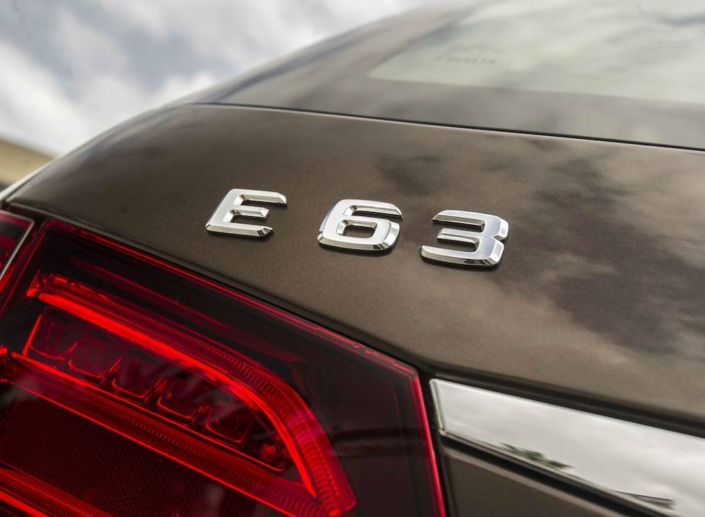 2014_Mercedes_Benz_E63_AMG_S-Model_4MATIC_Wagon...16