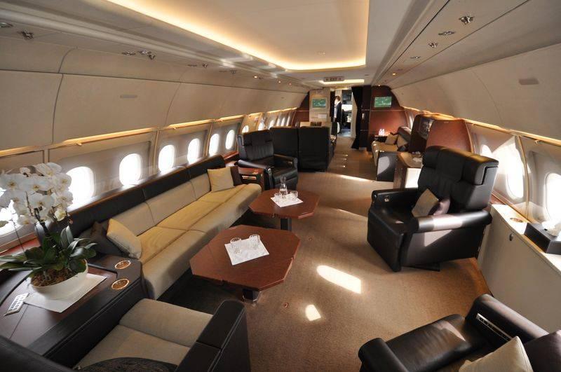 800x600_1365660586_ACJ318_cabin_Comlux_Airbus_