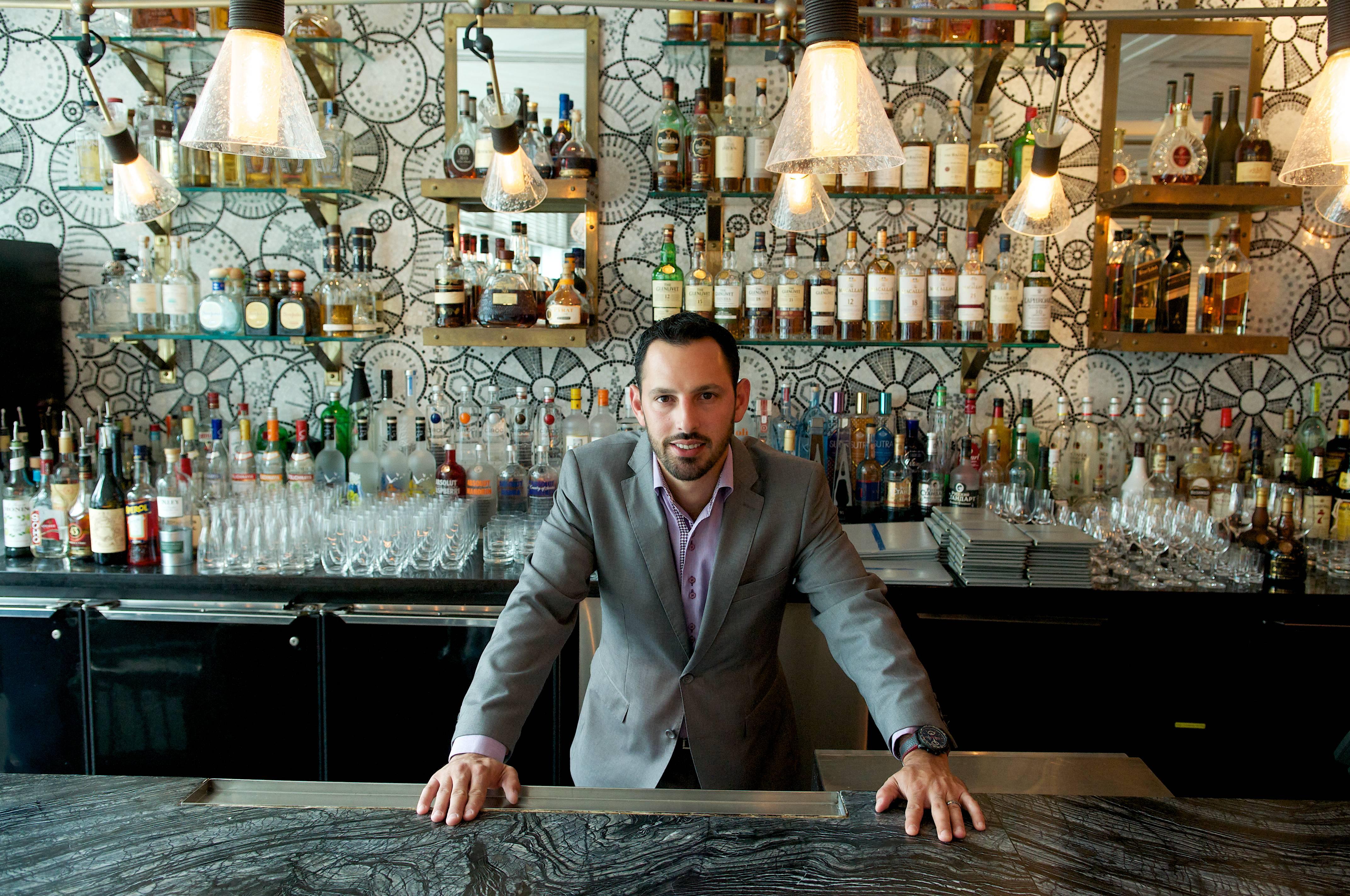 Hector Acevedo – Hotel Mixologist