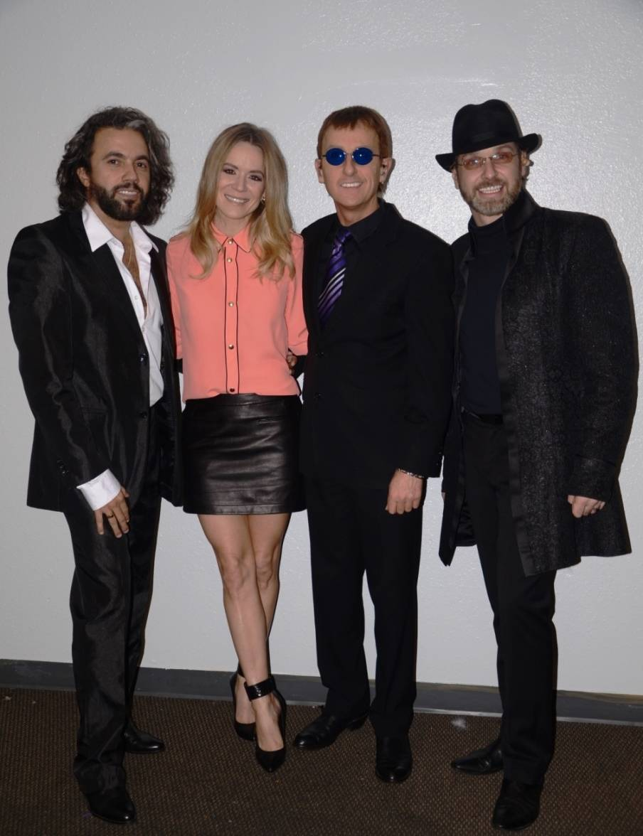 Veronic DiCaire and The Australian Bee Gees 2