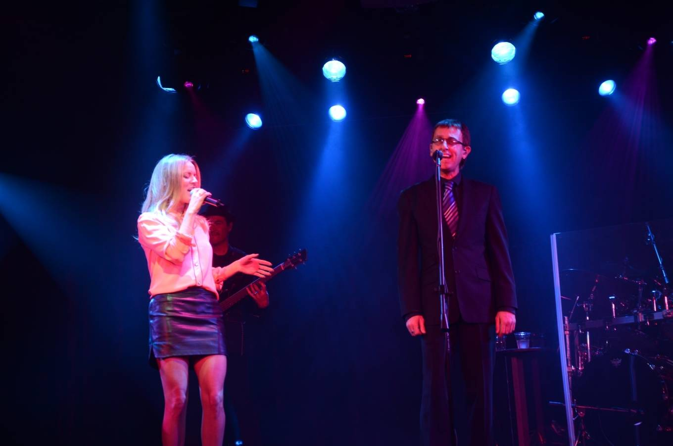Veronic DiCaire performs Immortality with the Australian Bee Gees Show