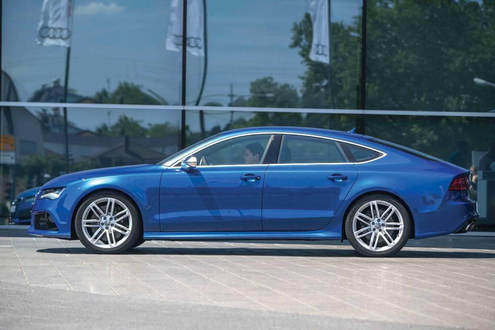2014_Audi_RS_7-Car…