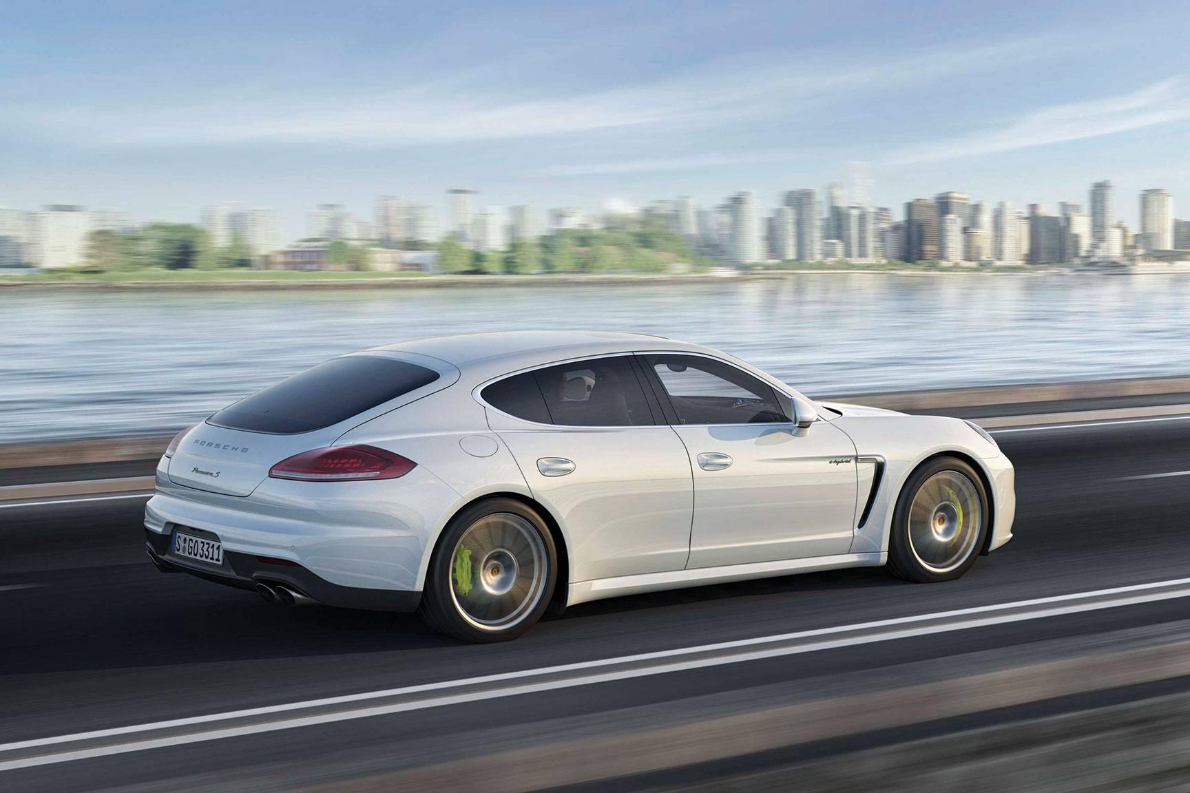 2014_Porsche_Panamera_Automotive_Rhythms_