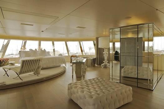 Andrey-Melnichenkos-394-foot-A-yacht-inside