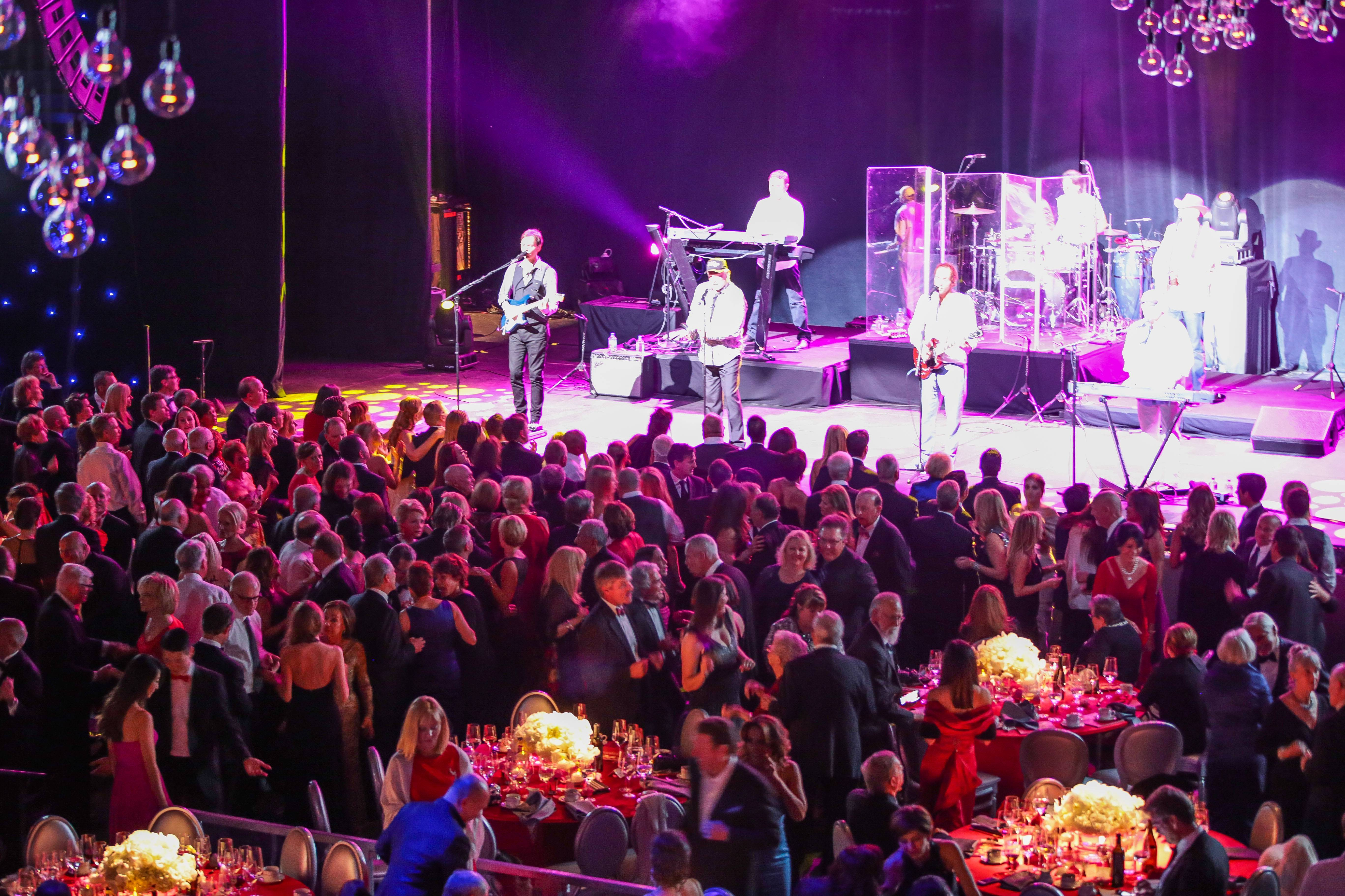 Candlelight Concert 2013 -The Beach Boys performing - phto by Joesan Diche (51)