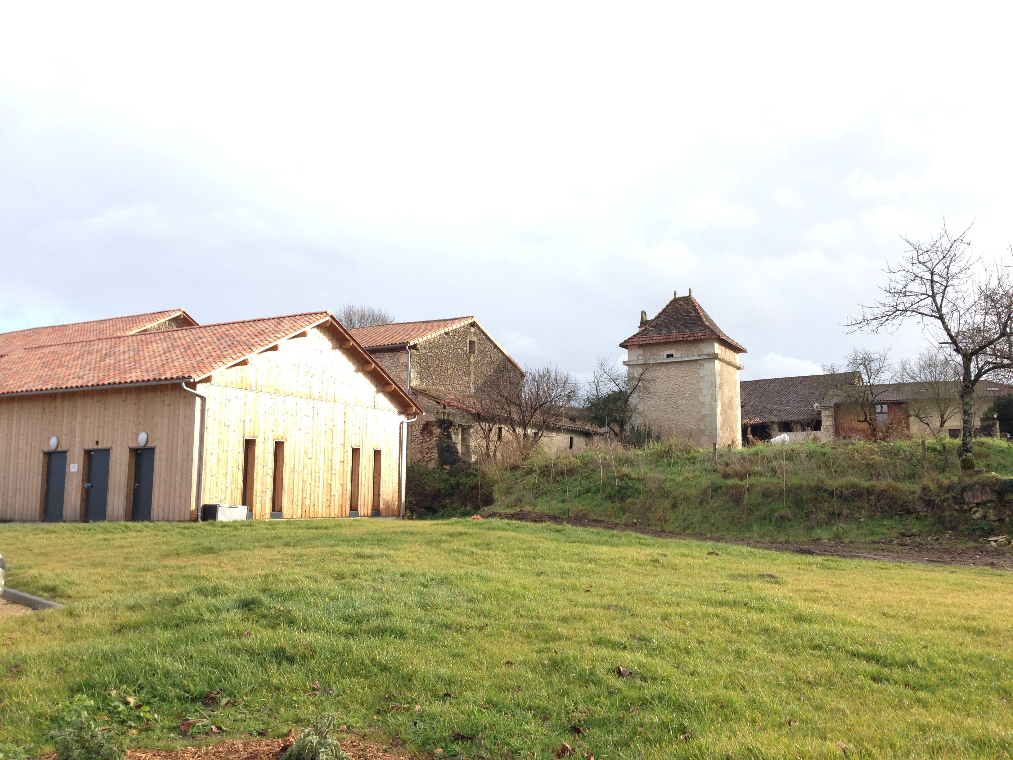 2013 structure with 1600s chateaux