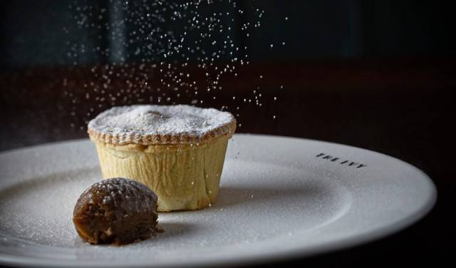 The Ivy mince pie